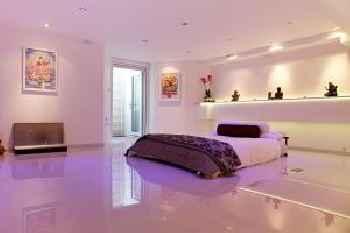 Iffley Apartments 201