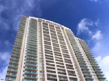 Dharma Home Suites Brickell Miami at One Broadway 219