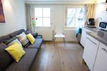Sweet Life Centre Area Apartment 201