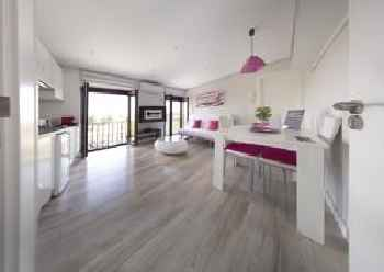 Cervantes Apartamentos 201