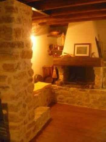 Casa in Borgo Medievale con Giardino ed Escursioni 220