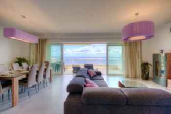 Seafront Apartment Sliema 201