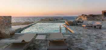 Amazing Villa La Strada Mykonos, large property with Private Bay 6 BR 7 BATHR, Private Pool, Up to 14 Guests