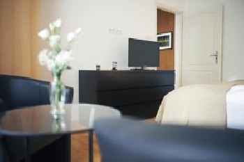 Louisa Apartment 201