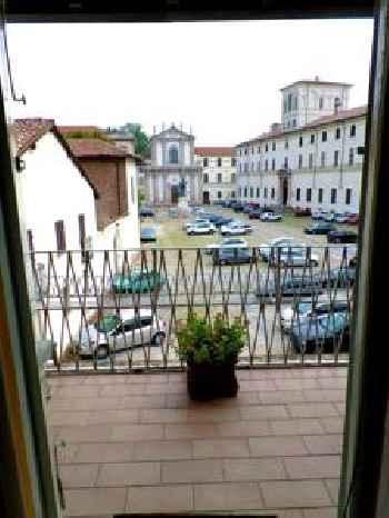 Pavia Downtown Apartment 201