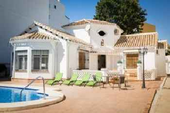 Villa in center Fuengirola with pool and close beach 213