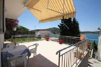 Apartments by the sea Tisno, Murter - 5130 201
