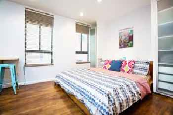 King Bed Comfort Studio Times Square