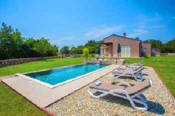 Holiday Home Vila Marten 213