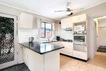 Michael St - 3 Bedroom Beach House in Rye, Victoria