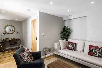 A Beautiful 4 Bed House in the Heart of Paddington w 4 En Suite Bathrooms