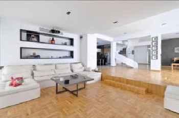 Penthouse Apartment Pela