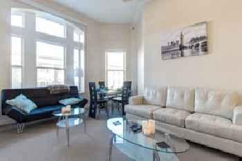 Heaven on Washington Fully Furnished Apartments 219