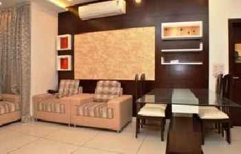 Luxury Inn 201