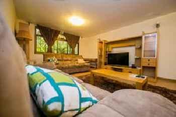 Kates Apartments 219
