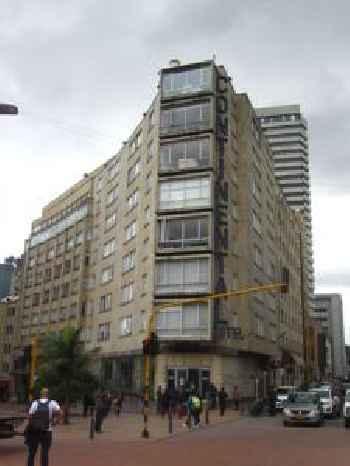 E.H Suites Continental