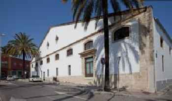 Huge Loft in restored ancient Sherry Winery 201