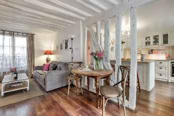 Rustic & spacious 1 BR in central Le Marais