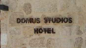 Domus Studios 201