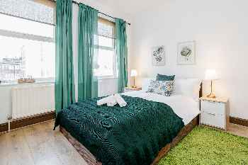 The Green Room - Contemporary east London Style double room with private bathroom 10 minutes from Aldgate