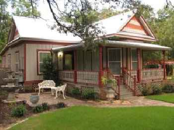 South Austin Cottage 612 220