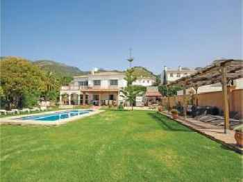 Five-Bedroom Holiday Home in Mijas Pueblo 220