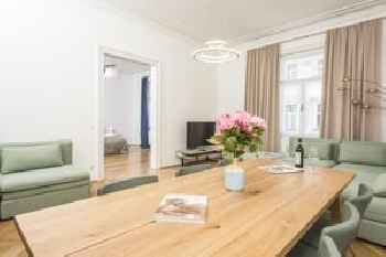 Senator Suite Stephansplatz by welcome2vienna 201