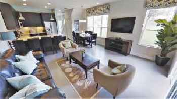 Three-Bedroom Townhome with private pool (1631) 220