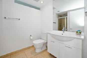 Private, Newly-Renovated 1-Br Apt