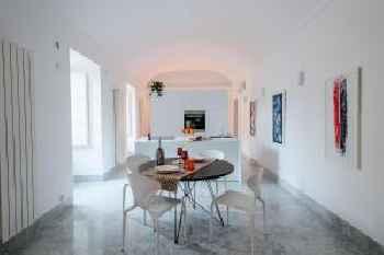 DeBellini Design Apartments 201