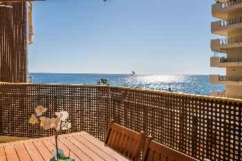 Dona Sofia by Rafleys - Fuengirola Promenade Apartment with Stunning Sea Views, Wifi