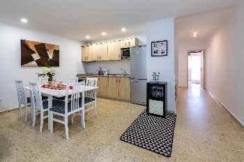 Fuengirola Centre - Modern 2BR Apartment -One Step to Everything