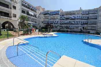 El Rincon - First Line Beach 2BR Modern Apartment in Rincón de la Victoria, Pool, Wifi