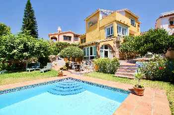 4BR Villa Milana, Private Pool, Sea Views. Wifi, 3 mins Drive to the Beach