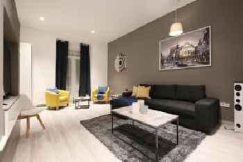 Luxury Suite - Prime Location 201