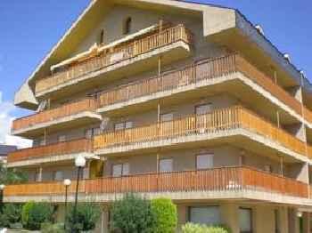 Apartamentos Turisticos Sol y Nieve 201