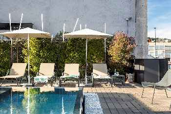 Luxury Apartment with outdoor swimming pool and gym in Principal 1