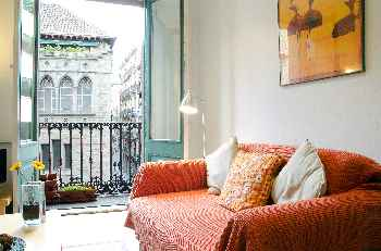 Ripoll RED two studio apartments rent as one in the heart of the Gothic Quarters