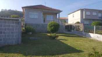 House with 3 bedrooms in Pontevedra, with wonderful sea view and enclosed garden - 50 m from the beach 220
