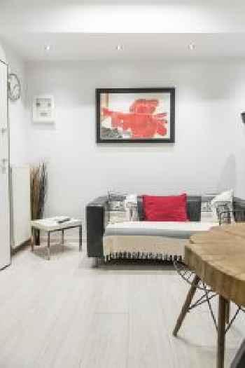 Acropolis Cozy Studio by Livin Urbban 201