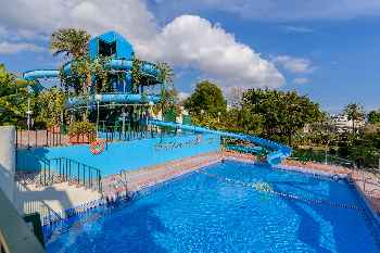 Benal Beach 327 by Rafleys- First Line 1BR Apartment in Resort with Water park