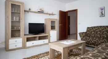 Apartment - 3 Bedrooms with Sea views - 04559 201