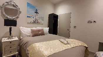 SUPER 2Bed1Bath MOMENTS FROM HMS PALACE