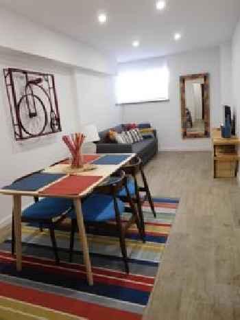 Cozy Base Apartment in Estoril