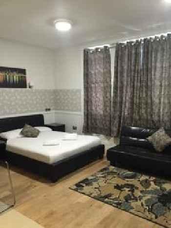 Paddington Apartments 201