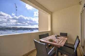 Sliema Apartment with Seaviews 201