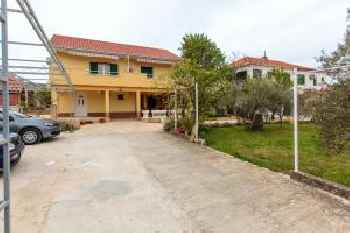 Apartment with one bedroom in Slatine with wonderful sea view enclosed garden and WiFi 250 m from the beach 201