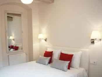 Guoda Apartments 201