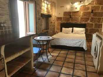 Charming Studio Apartment with A/C in Medieval Village
