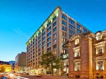 Le Square Phillips Hôtel & Suites 219